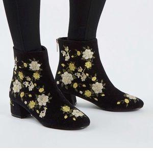 Beautiful TopShop velvet booties!